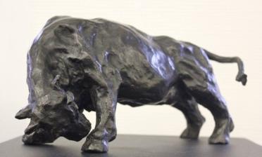 TAUREAU 6/8 / Bronze / H 15 L 32 / 2000 €